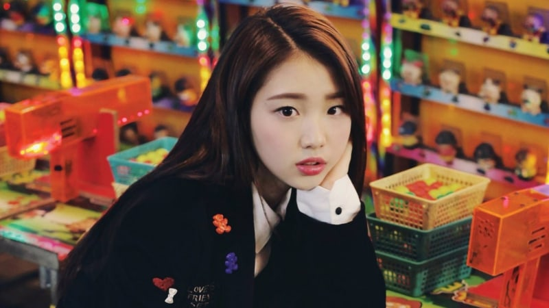 LOONA's Yeojin Talks About Dorm Life And Goals After Debut
