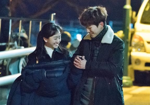 "2PM's Junho And Won Jin Ah Are The Epitome Of Sweetness Behind The Scenes Of ""Just Between Lovers"""
