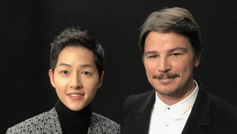 Song Joong Ki Snaps Photo With Josh Hartnett In Paris At Dior Homme Fashion Show
