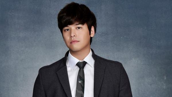 Actor Lee Jang Woo Returns From The Military
