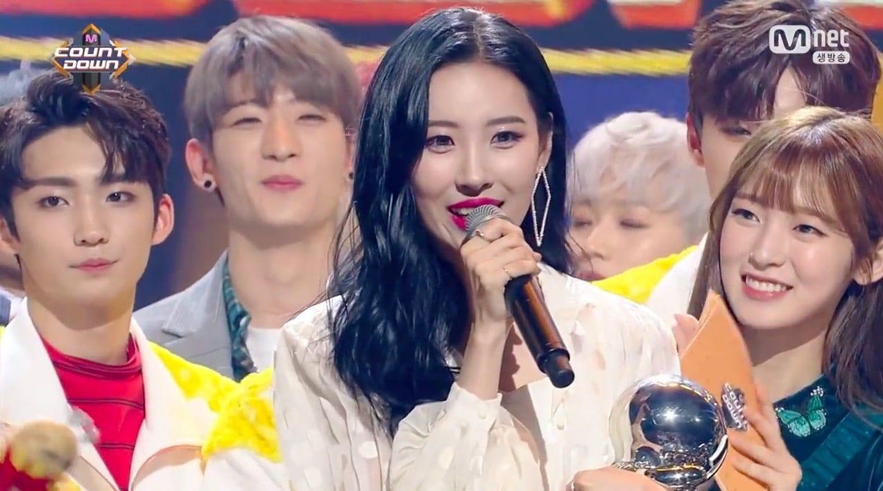 """Watch: Sunmi Takes 1st Win For """"Heroine"""" On """"M!Countdown,"""" Performances By JBJ, Oh My Girl, Jeong Sewoon, And More"""