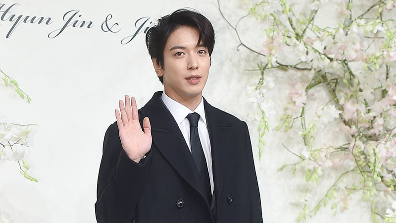 Jung Yong Hwa Announces Military Enlistment Date + Addresses Affected Concert Dates