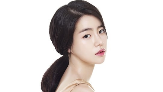 Actress Lim Ji Yeon Confirmed To Be Dating Chairman Of Nonprofit