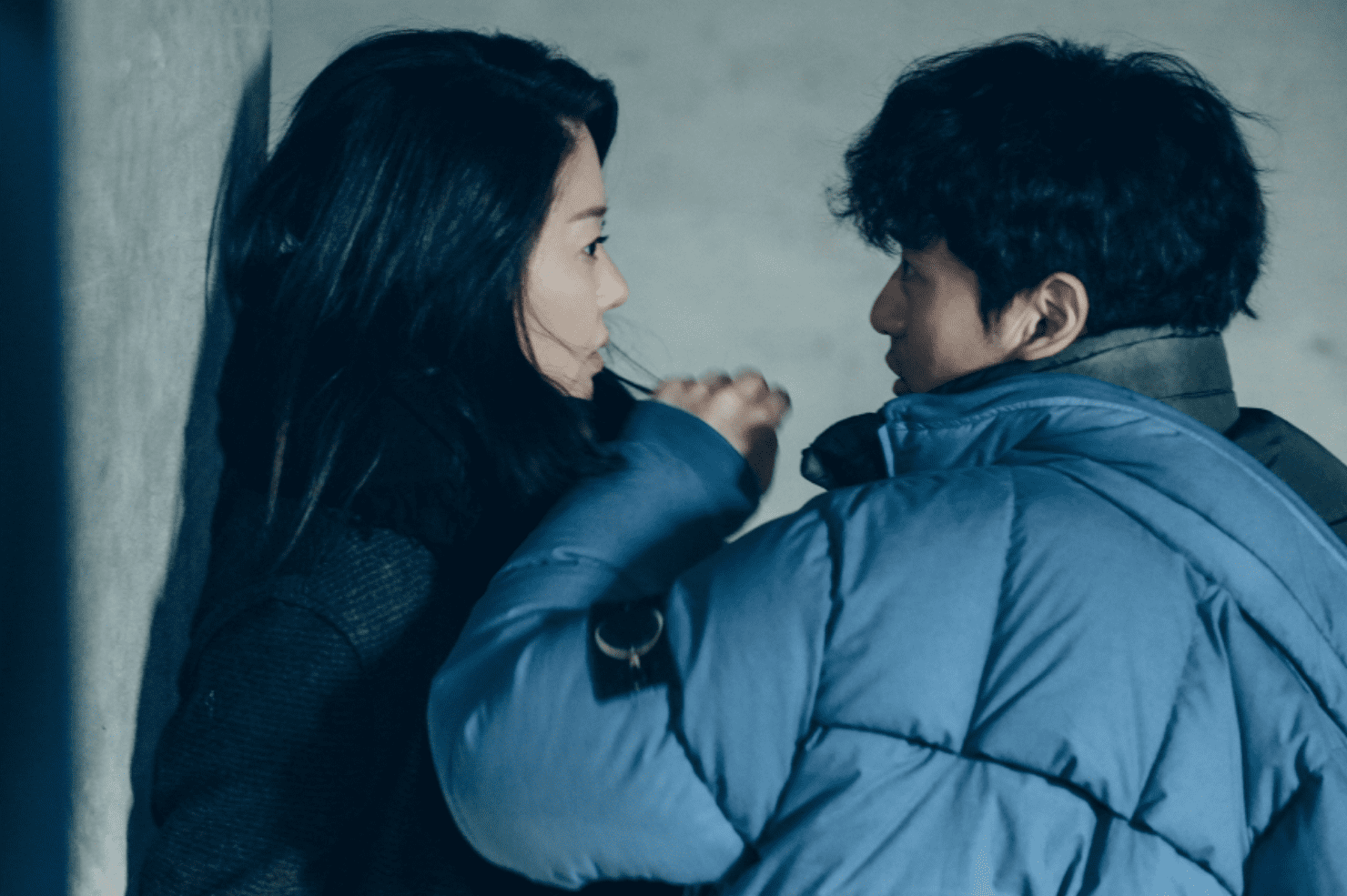 "Go Hyun Jung And Lee Jin Wook Stare Each Other Down In Tense Stand-Off On ""Return"""