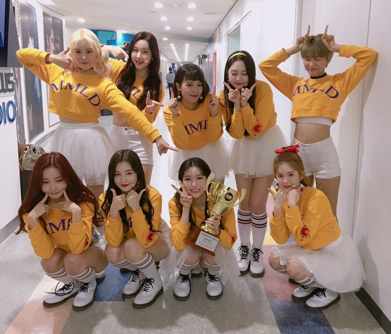 "Watch: MOMOLAND Takes 2nd Win On ""Show Champion"" With ""BBoom BBoom,"" Performances By JBJ, Oh My Girl, Chungha, And More"