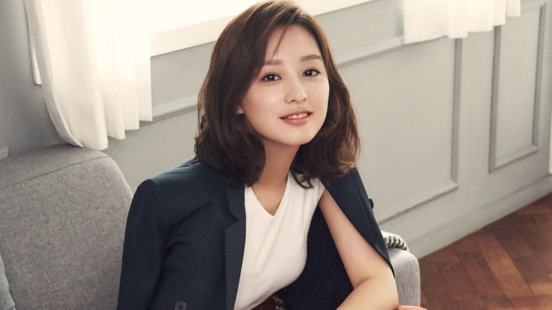 Kim Ji Won Talks About Acting Inspiration, Fears, And More