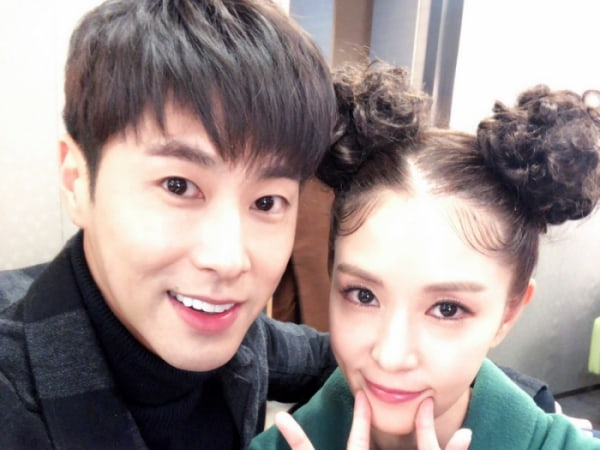 """TVXQ's Yunho Cheers On BoA At Her Comeback Recording For """"M!Countdown"""""""