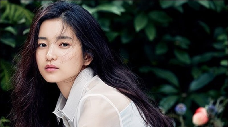 Kim Tae Ri's Agency Warns Against Fake Social Media Accounts