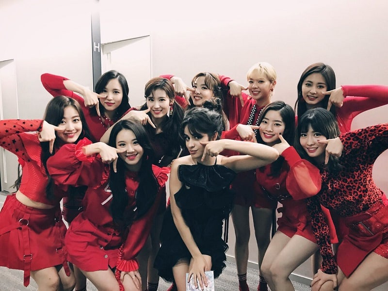 """TWICE And Camila Cabello Strike The """"TT"""" Pose Together"""