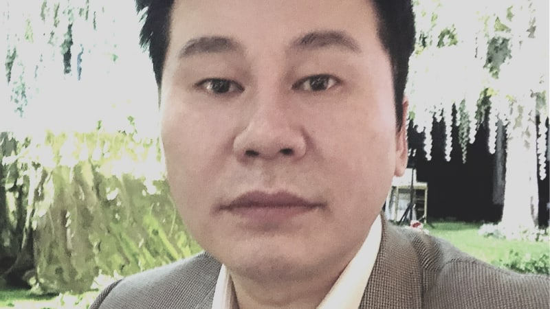Yang Hyun Suk Proves He's Not Bald By Sharing Rare Photo Without Cap From Taeyang's Wedding