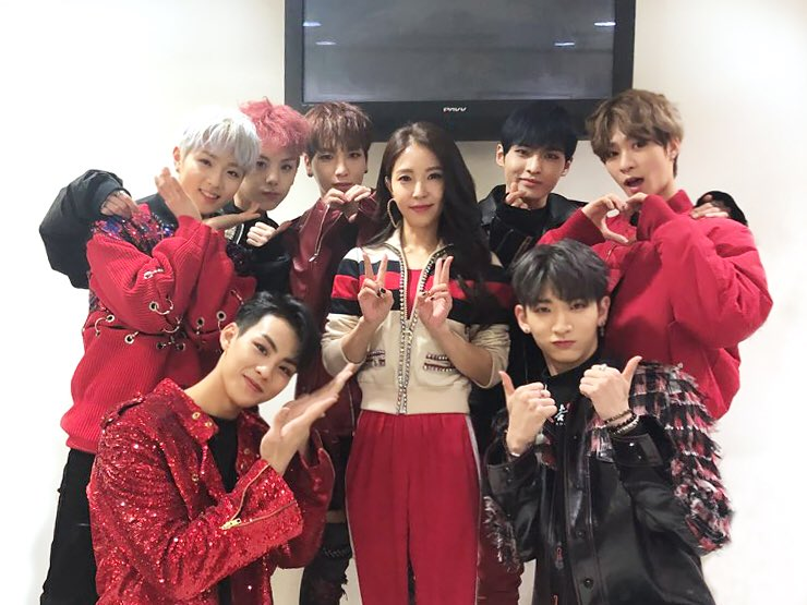 "RAINZ Shares Photo From Reunion With ""Produce 101 Season 2"" Mentor BoA"
