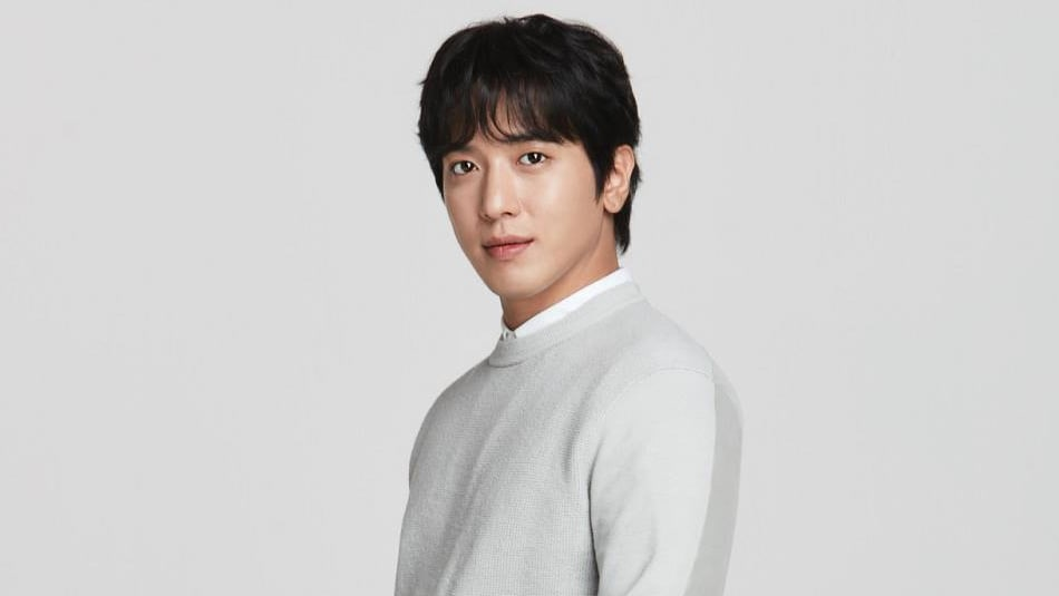 CNBLUE's Jung Yong Hwa To Hold One More Fan Meeting Before Enlisting