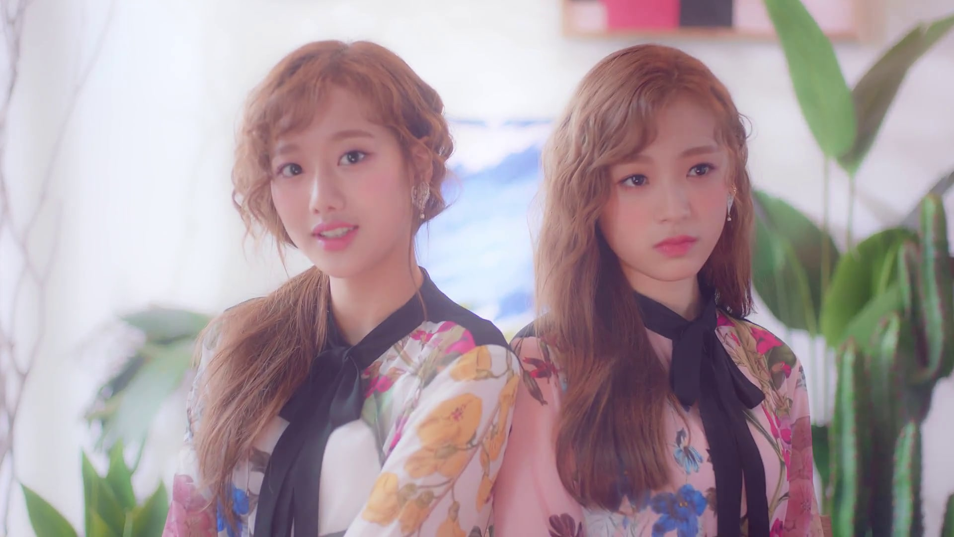 "Watch: APRIL's Naeun And Jinsol Charm In MV For Unit Release ""My Story"""