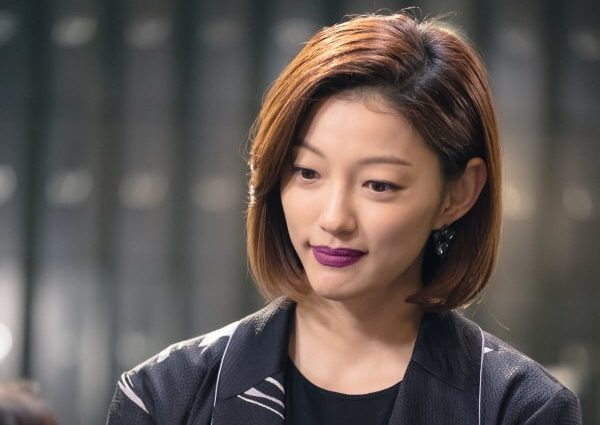 "Lee El Transforms Into A Charismatic Cocktail Bar Owner In ""Hwayugi"""