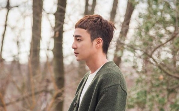 """Roy Kim's New Song """"Only Then"""" Tops Several Major Realtime Charts"""