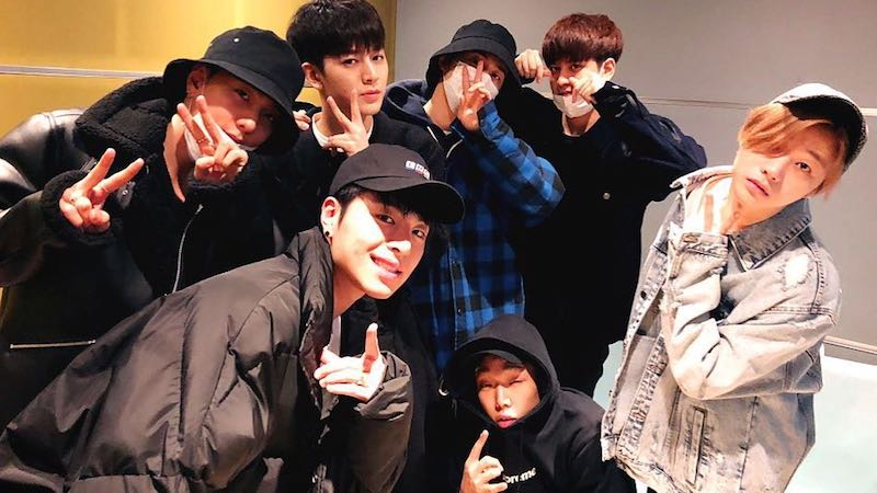 Bobby Ranks Himself Against Fellow iKON Members In Terms Of Looks