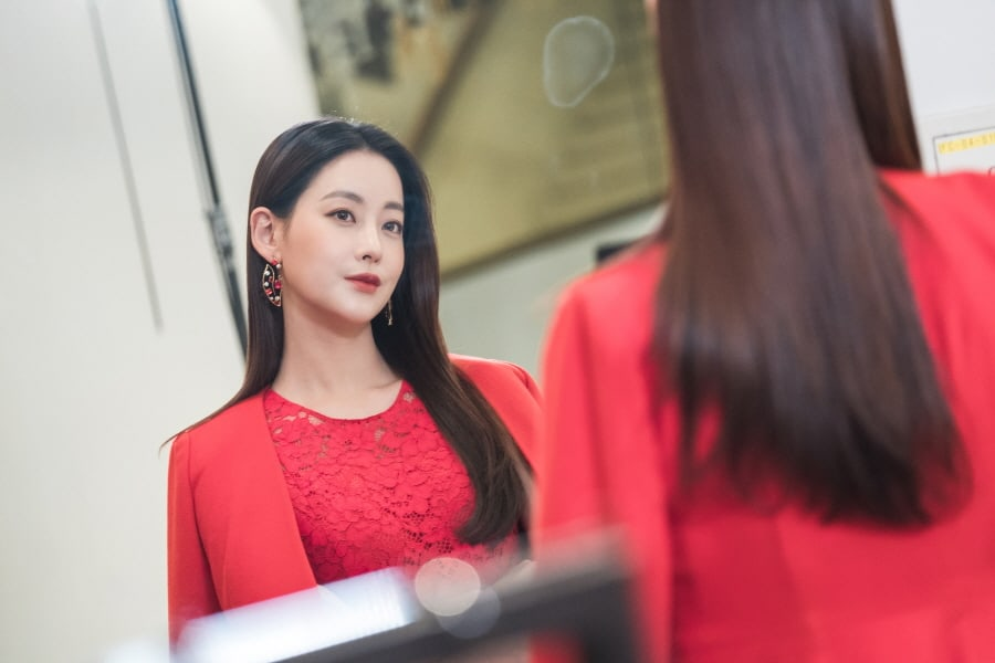 "Oh Yeon Seo Undergoes 180 Degree Change In Upcoming Episode Of ""Hwayugi"""