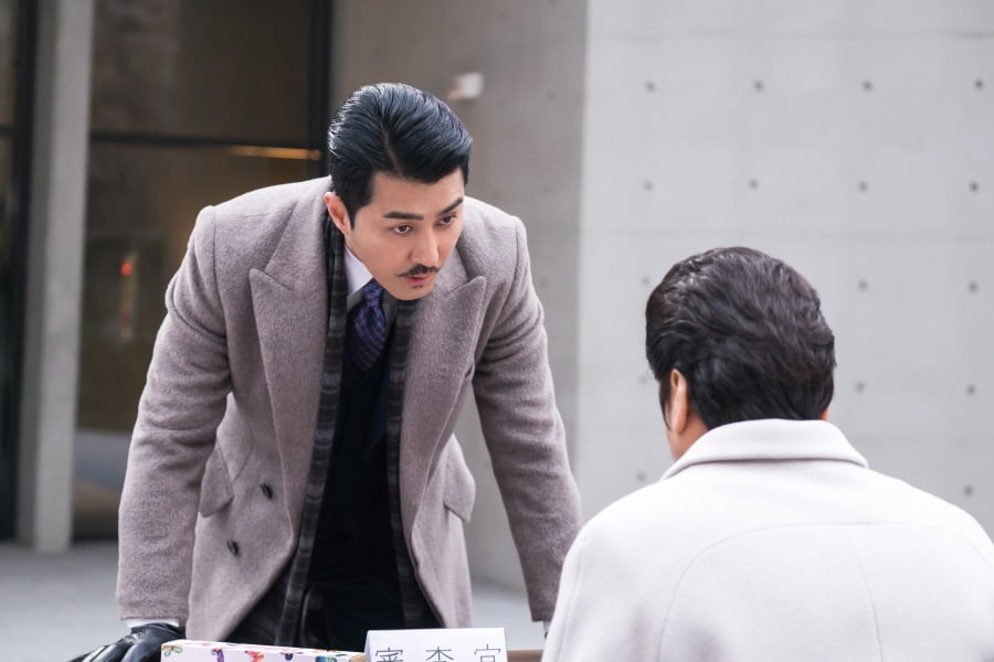 "Cha Seung Won Is Furious With Sung Ji Roo As Tensions Mount In ""Hwayugi"""