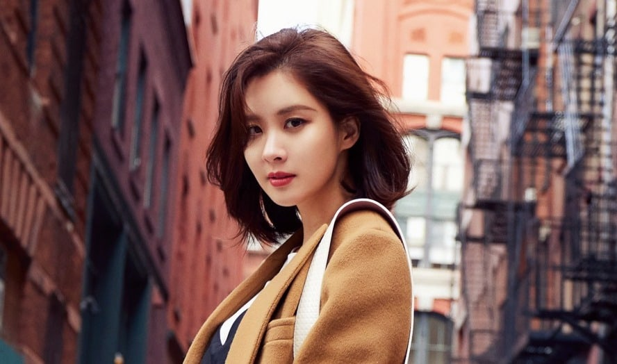 Girls' Generation's Seohyun Receives Phone Call From President Moon Jae In