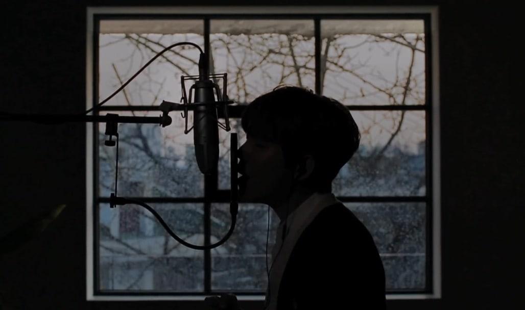 "Watch: Jung Seung Hwan Soulfully Sings ""It's Raining"" In New MV"