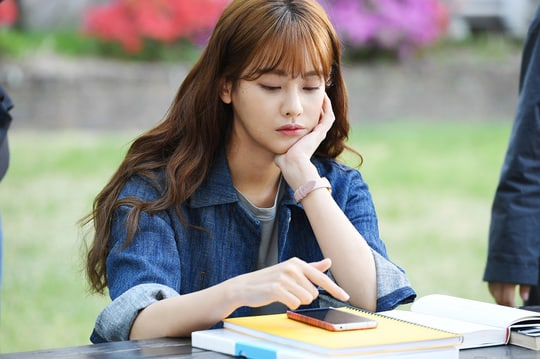 "Oh Yeon Seo Talks About Tackling ""Cheese In The Trap's"" Hong Seol As Her Final College-Aged Role"