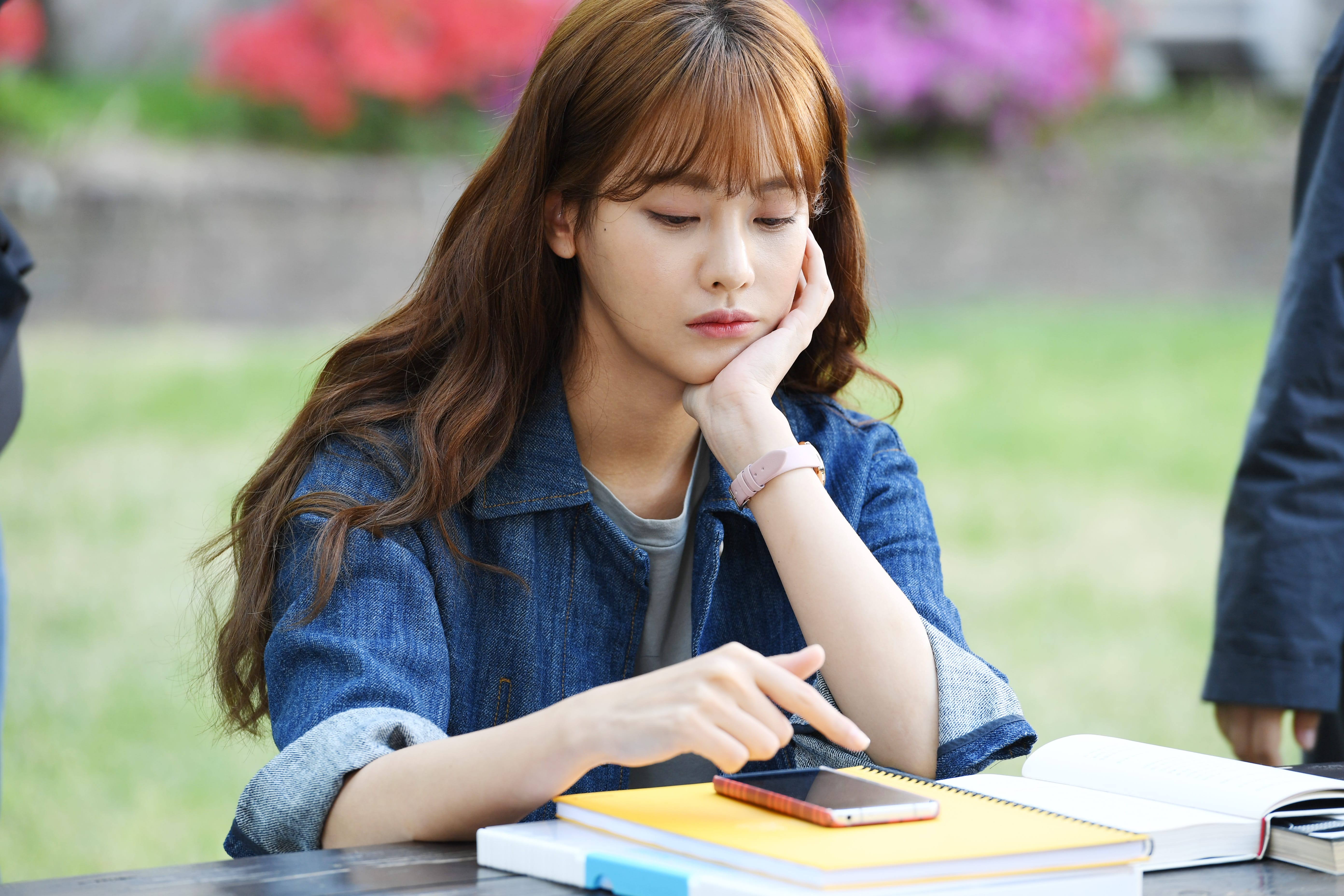 """Oh Yeon Seo Syncs With Her """"Cheese In The Trap"""" Film Character"""