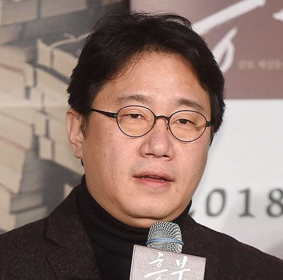 Director Cho Geun Hyun Apologizes Following Accusation Of Sexual Harassment
