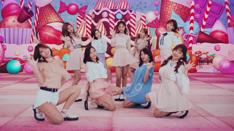 """TWICE Surpasses 300,000 Sales In Japan For First Time Ever With """"Candy Pop"""""""