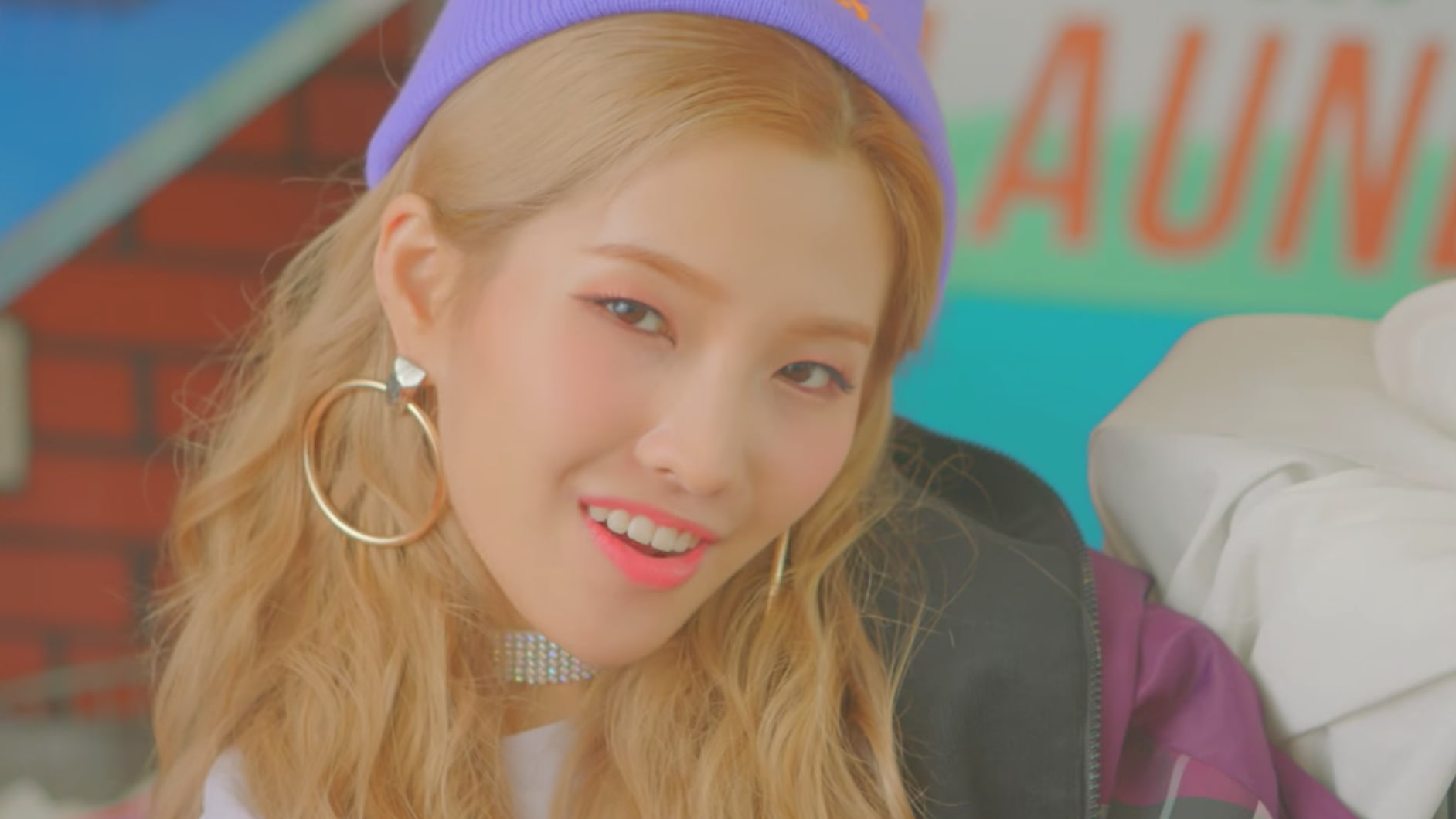 "Watch: Jeon Soyeon Says She Needs Something Fresh In MV For ""Idle Song"""