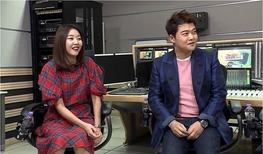 """""""I Live Alone"""" Achieves Its Highest Ratings Yet With Episode About Jun Hyun Moo And Han Hye Jin's Relationship"""