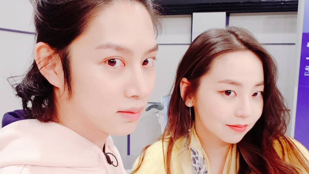 Kim Heechul Snaps Photos With Ahn So Hee And Sweetly Reminisces About The Past