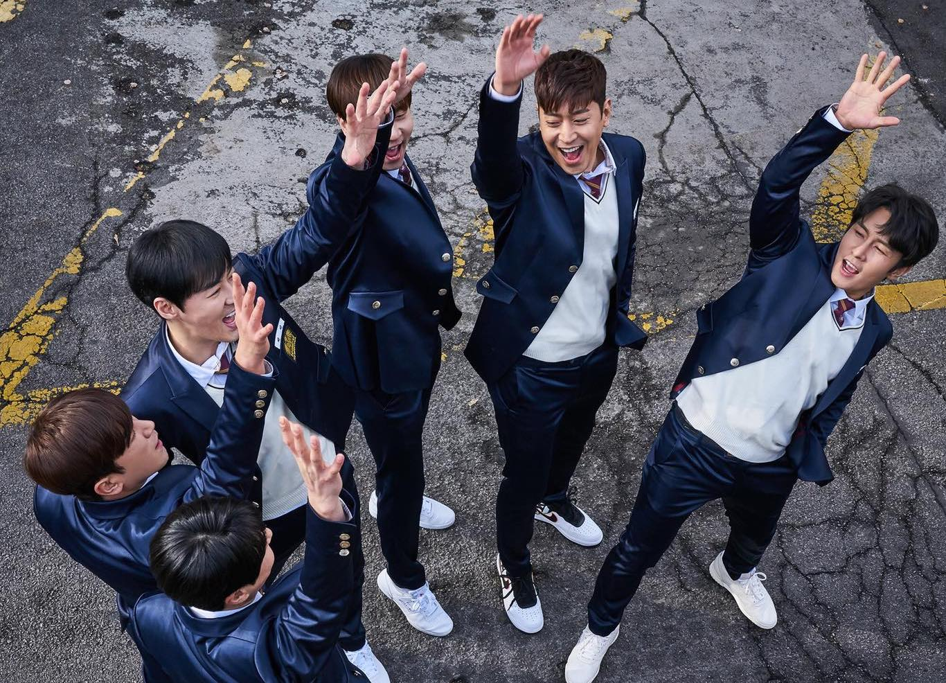 """Shinhwa In Talks To Launch Variety Show Similar To """"Shinhwa Broadcast"""" For 20th Anniversary"""