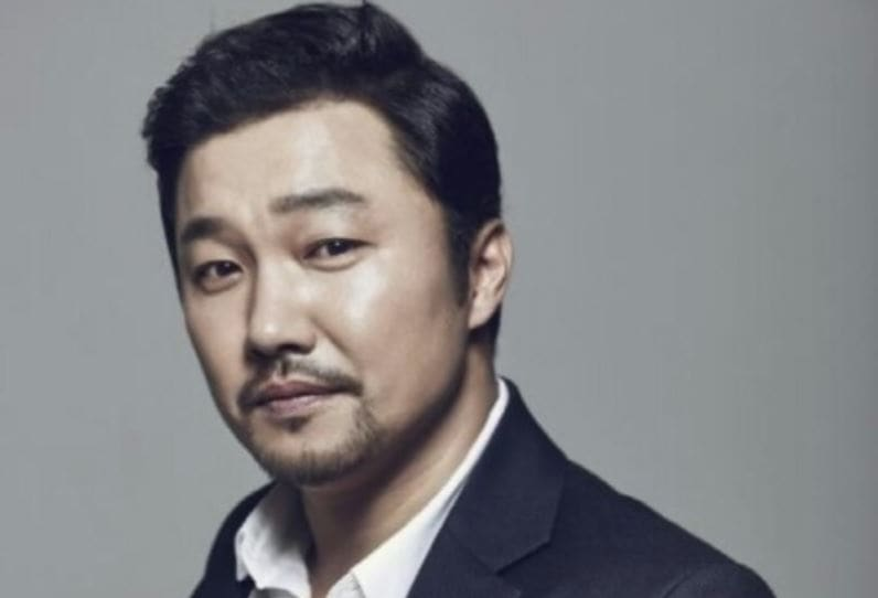 CEO And Actor Both Apologize After Sexual Harassment Allegations