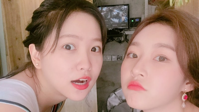 Red Velvet's Yeri And Kim Sae Ron Have Fun In Bali Together