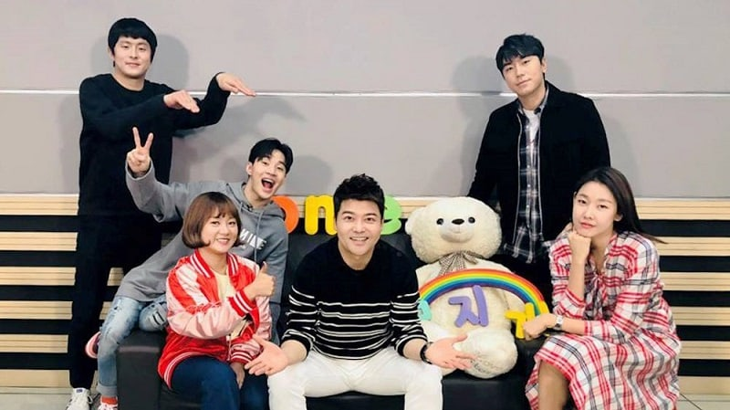 """I Live Alone"" Tops Content Power Index Rankings With Jun Hyun Moo And Han Hye Jin's Relationship"