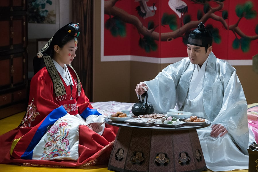 "Ryu Hyoyoung And Joo Sang Wook Share A Tense Wedding Night Together In ""Grand Prince"""
