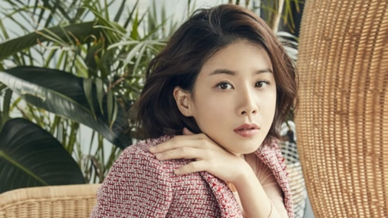 """Lee Bo Young Speaks Up About """"Me Too"""" Movement"""