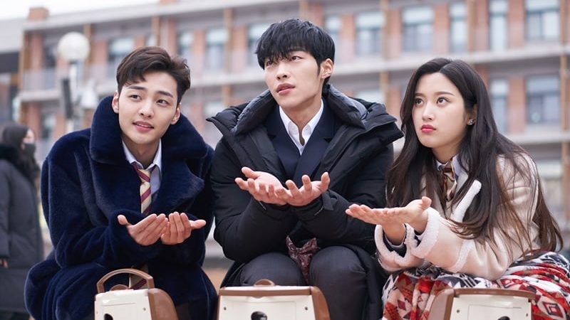 """""""Tempted"""" Trio Gets Sweet And Silly Behind The Scenes"""
