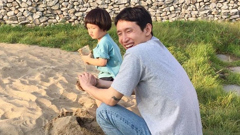 """Bong Tae Gyu And His Son Confirmed To Join """"The Return Of Superman"""""""