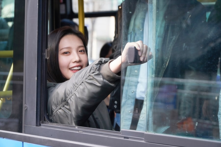 "Red Velvet's Joy Lights Up The Set Of ""Tempted"" With Her Smile In New Behind-The-Scenes Stills"