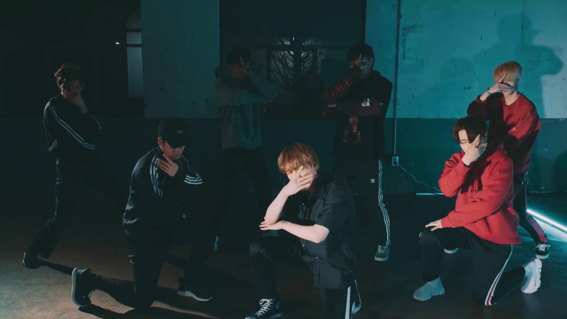 "Watch: GOT7 Stuns In ""Look"" Performance Video For ""GOT7 Studio"""
