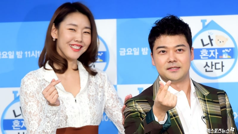 """Jun Hyun Moo Talks About How A Future Break-Up With Han Hye Jin Might Affect """"I Live Alone"""""""
