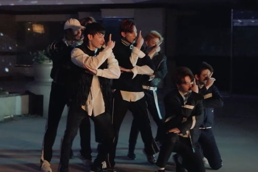 """Watch: GOT7 Takes Fans Behind-The-Scenes Of """"Look"""" MV"""