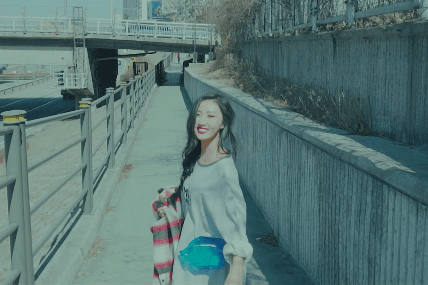 """Watch: MAMAMOO's Hwasa Drops Gorgeous MV For Self-Composed Solo """"Became Calm"""""""