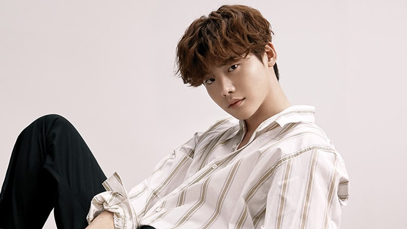 Update: Lee Jong Suk Confirmed To Leave YG Entertainment, In Talks To Sign With YNK Entertainment