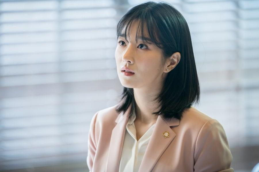 Kết quả hình ảnh cho Seo Ye Ji Lawless Lawyer