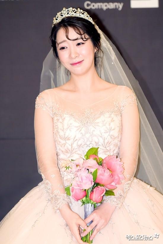 Ji min gag concert dating websites