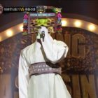 "Former Boy Group Member And New Solo Artist Shows His Voice To The World On ""King Of Masked Singer"""