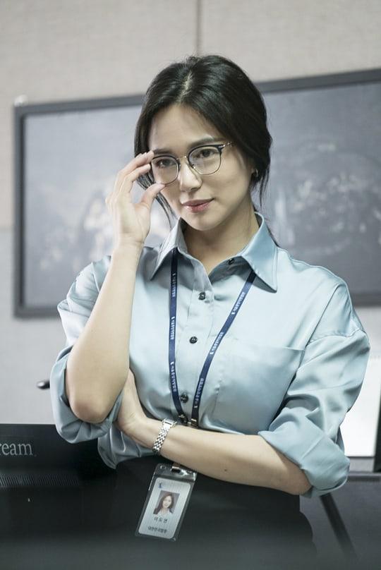 "Lee Elijah Lets Down Her Hair As A High-Powered Court Reporter In ""Miss  Hammurabi"" | Soompi"