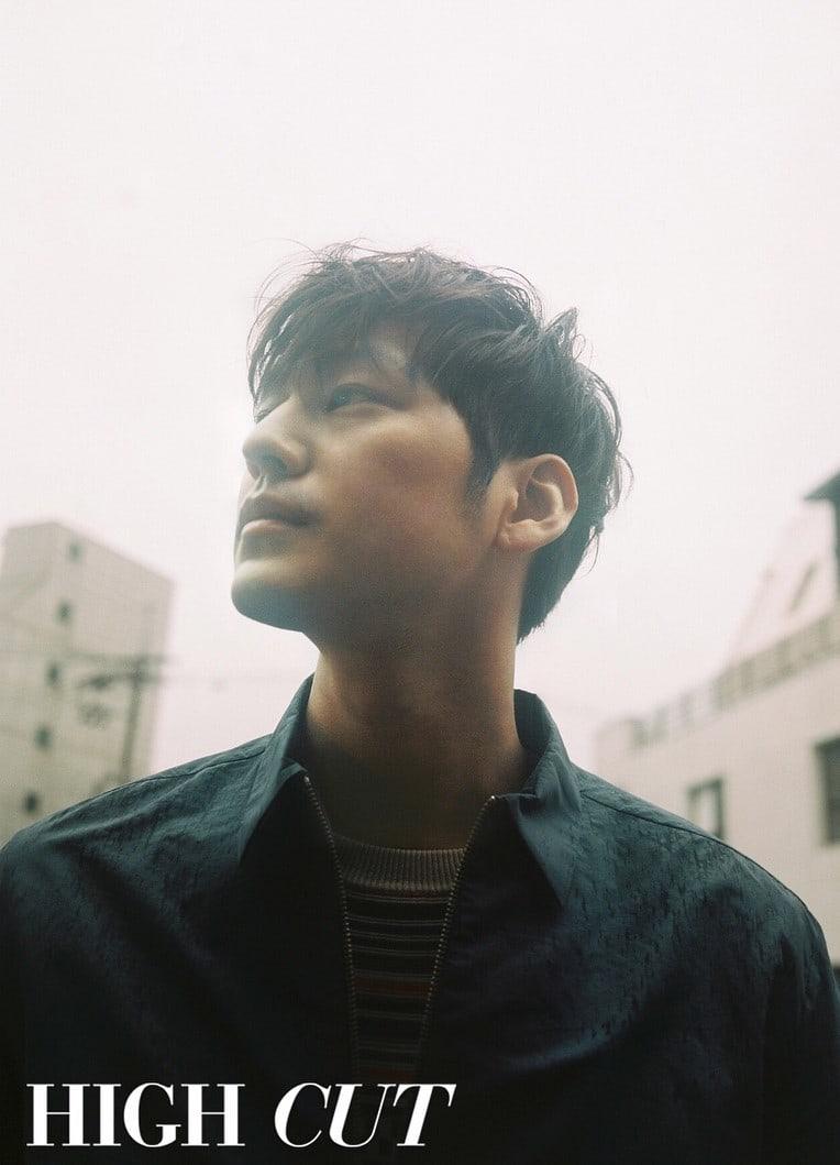 Kim Bum يتحدث عن مرضه و عمله في أحدث جلسة تصوير قبل دخوله الجيش